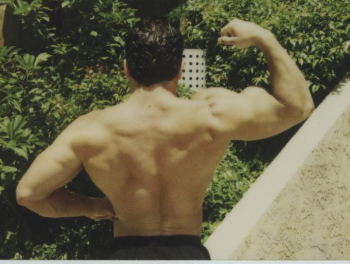 http://physbam.stanford.edu/~fedkiw/photos/bodybuilding_back_small.jpg